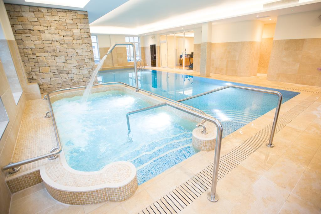 Galway bay hotel - Hotels with swimming pools in galway ...